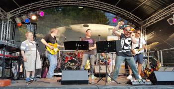 Inclusive Tanzparty feat. Hoffmann-Projekt